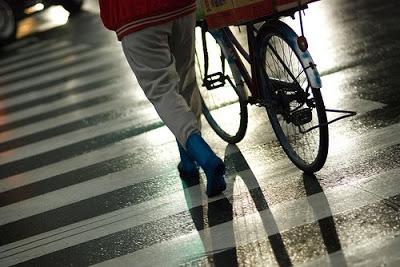 da-te jos de pe bicicleta